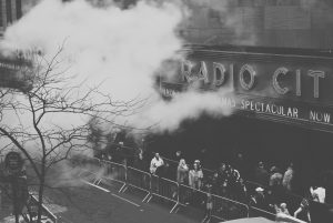 2016-01-life-of-pix-free-stock-photos-peoples-city-smoke-tasjabrewis